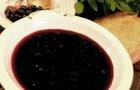 Суп из черники с взбитыми сливками
